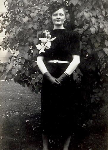Anne Weller Wedding Photo (1938)