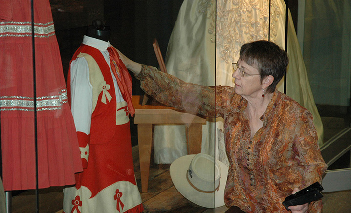 Laurel Wilson Installs Exhibition