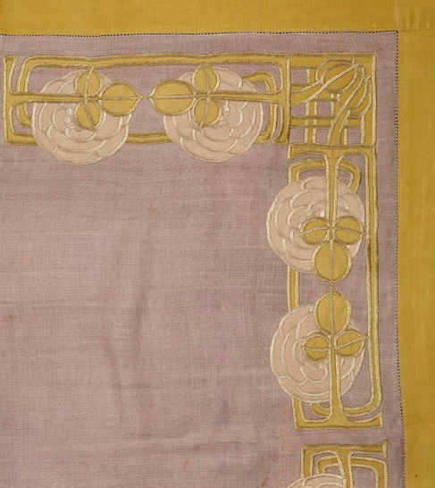 Embroidered Linen Tablecloth by Ann Macbeth (ca 1900); © Victoria and Albert Museum, London