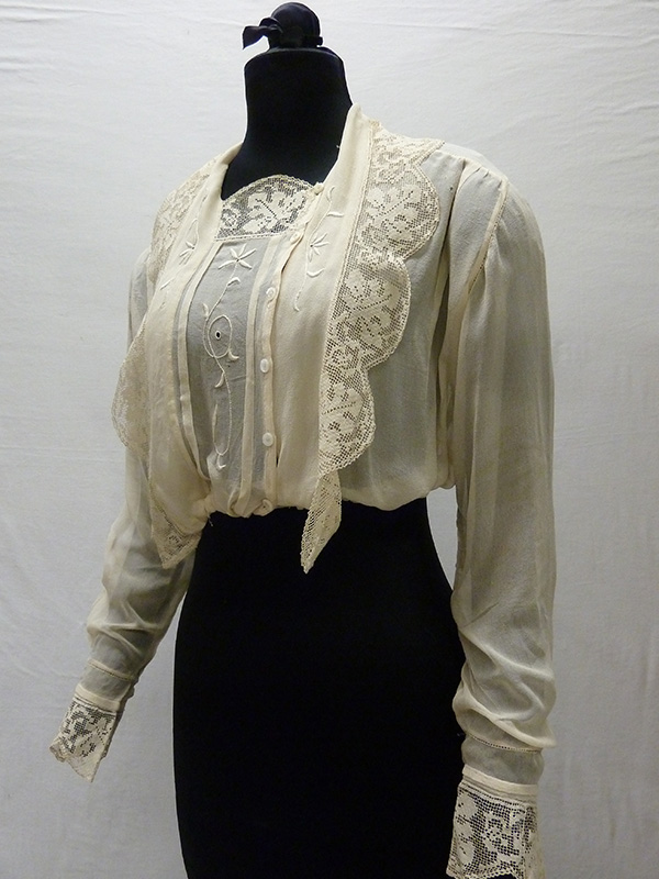 Embroidered Silk Crepe Blouse (1910s); Missouri Historic Costume and Textile Collection, University of Missouri, Columbia