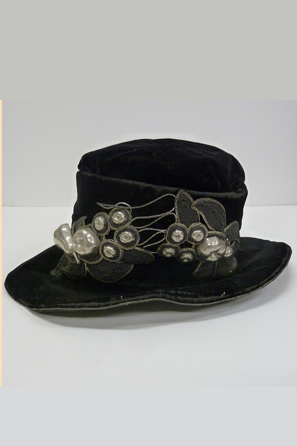 Silk Velvet Hat with Metal Accents (1910s); Missouri Historic Costume and Textile Collection, University of Missouri, Columbia
