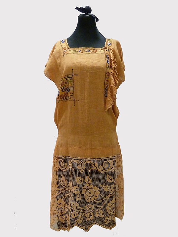 Embroidered Cotton and Lace Dress (1920s); Missouri Historic Costume and Textile Collection, University of Missouri, Columbia