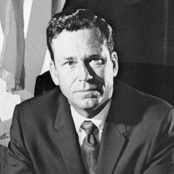 Warren Hearnes
