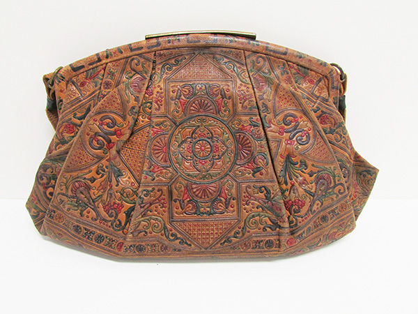 Embossed Leather Purse, Italy (1928) Missouri Historic Costume and Textile Collection, University of Missouri
