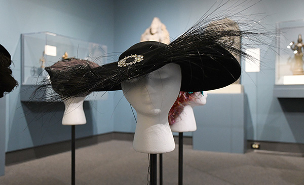 Wool Felt Hat with Egret Feather Accent (1950s) Missouri Historic Costume and Textile Collection, University of Missouri