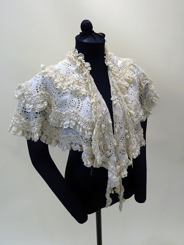 Ruffled Cotton Bertha (1830s) Missouri Historic Costume and Textile Collection, University of Missouri
